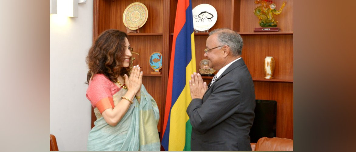 High Commissioner called on H.E. Mr. Marie Cyril Eddy Boissézon, Vice-President of Mauritius on 13/01/21